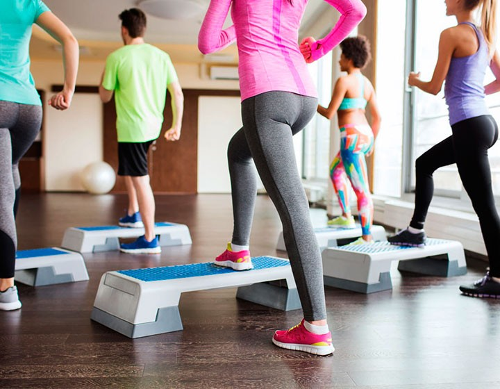 Zumba/ Aero-Fitness/ Step/ BodyPump oder AeroStep